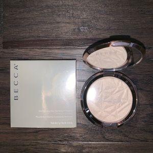 BECCA Makeup - Becca Highlighter